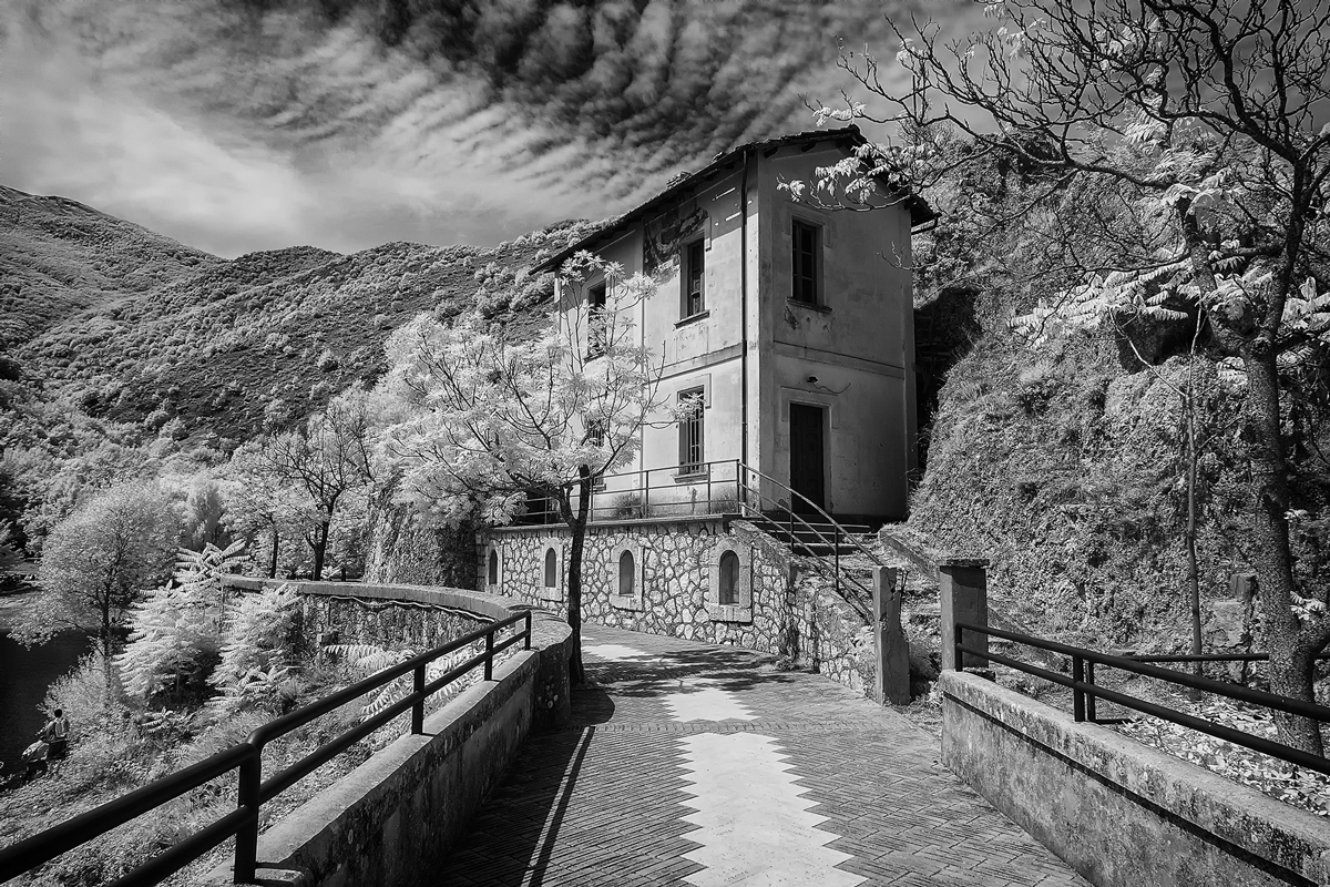 Infrared-hermitage-crossing-B2